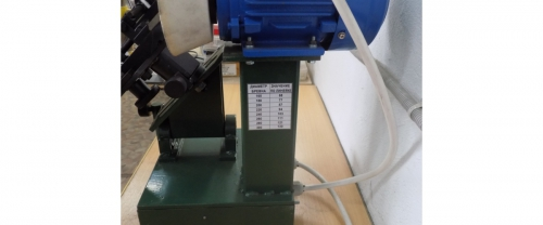 Sharpening machine for milling
